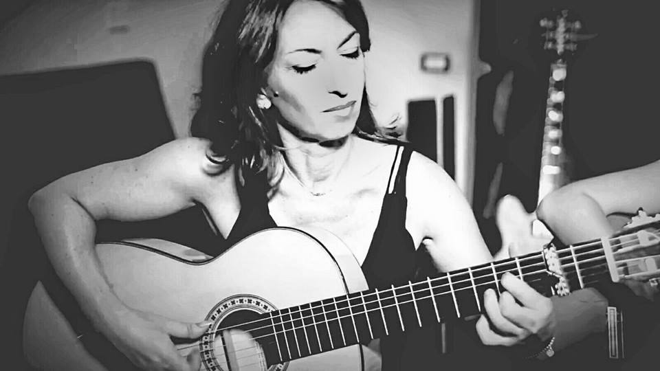 Angela Centola a Acustica, Musica in purezza